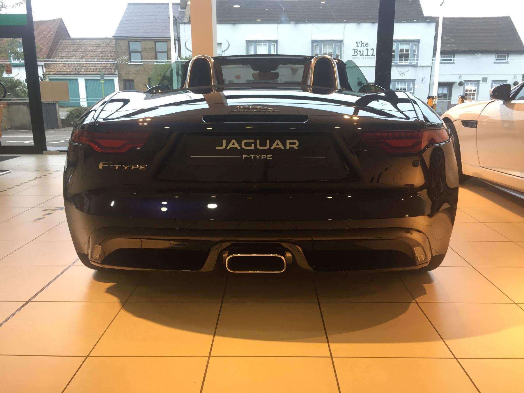 Jaguar F-TYPE 2.0 P300 R-Dynamic image 15